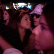 Justin Bieber e Selena Gomez são flagrados juntos no festival Coachella