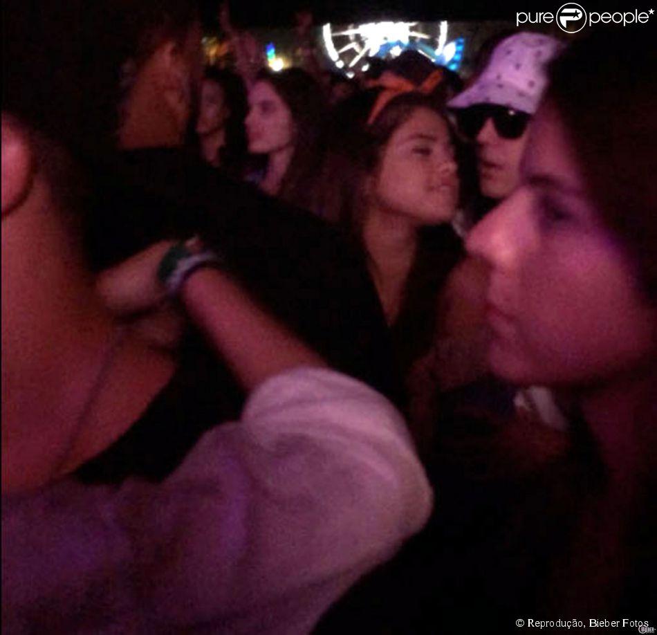 Justin Bieber e Selena Gomez curtiam o festval de música Coachella juntos