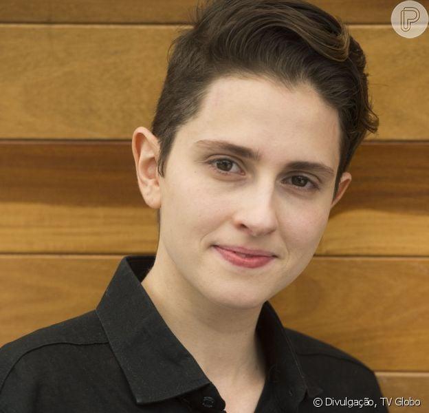 Carol Duarte revelou que guardou um cacho para a mãe após cortar o cabelo na novela 'A Força do Querer'