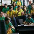 Na campanha, Neymar compara a relação de espanhóis e brasileiros com o futebol