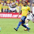 Daniel Alves vai defender a Seleção Brasileira na Copa do Mundo da Fifa do Brasil 2014