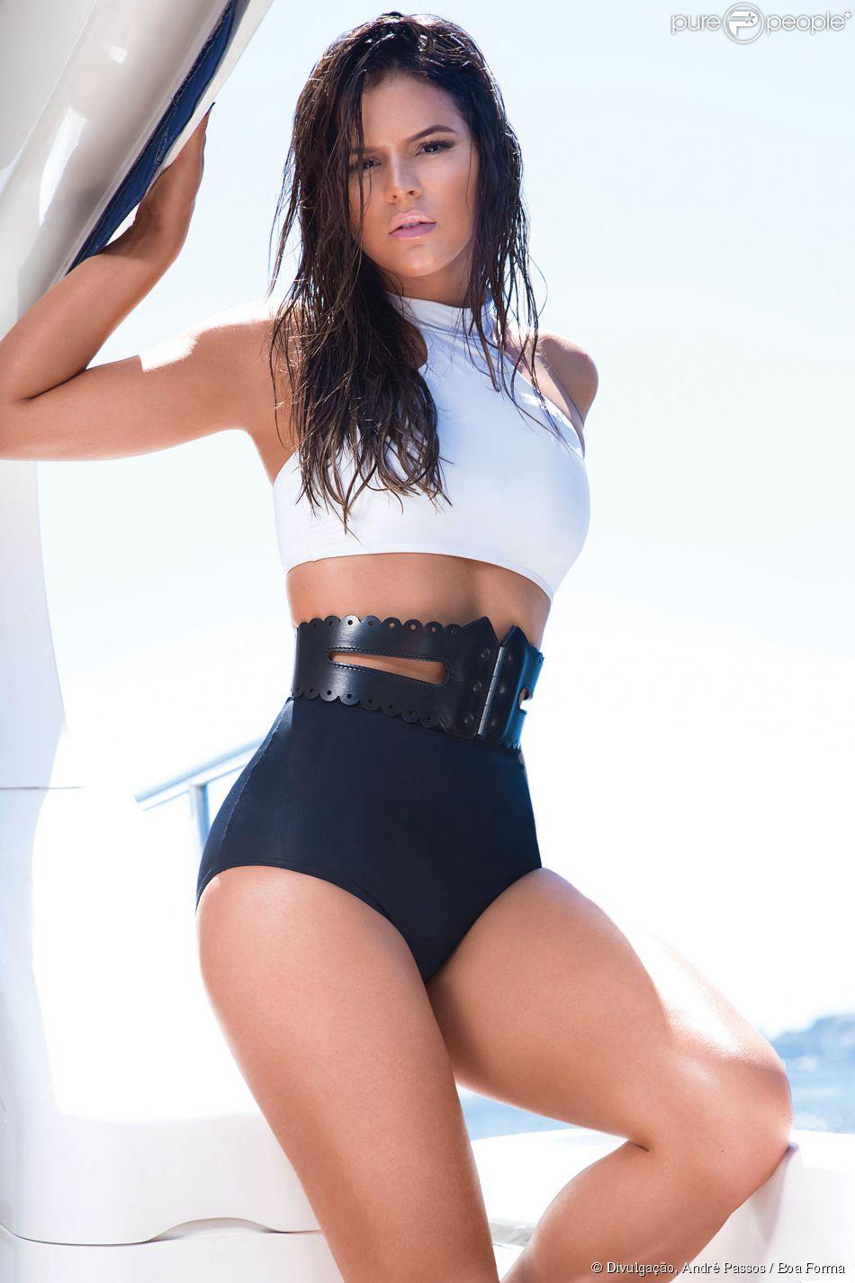 Bruna Marquezine posa para a revista 'Boa Forma' e declara sobre seu corpo: 'Resolvi entrar na linha e fiquei mais light' (8 de maio de 2014)