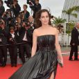 Amira Casa veste Lanvin no tapete vermelho da première de 'The Search' no Festival de Cannes 2014