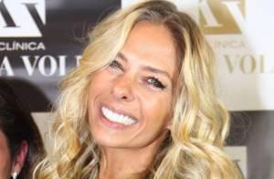 Adriane Galisteu tenta reaproximação com Silvio Santos para voltar ao SBT