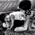 Samara Felippo faz questão de passar os momentos de folga ao lado das filhas
