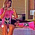 Samara Felippo gosta de vestir a filha, Alicia, com roupas e pijamas iguais as seus