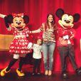 Muita fofura a Samara Felippo e a filha, Alicia, com os personagens da Disney Mickey e Minnie