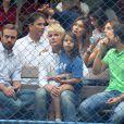 Xuxa Meneghel e os convidados assistiram aos jogos
