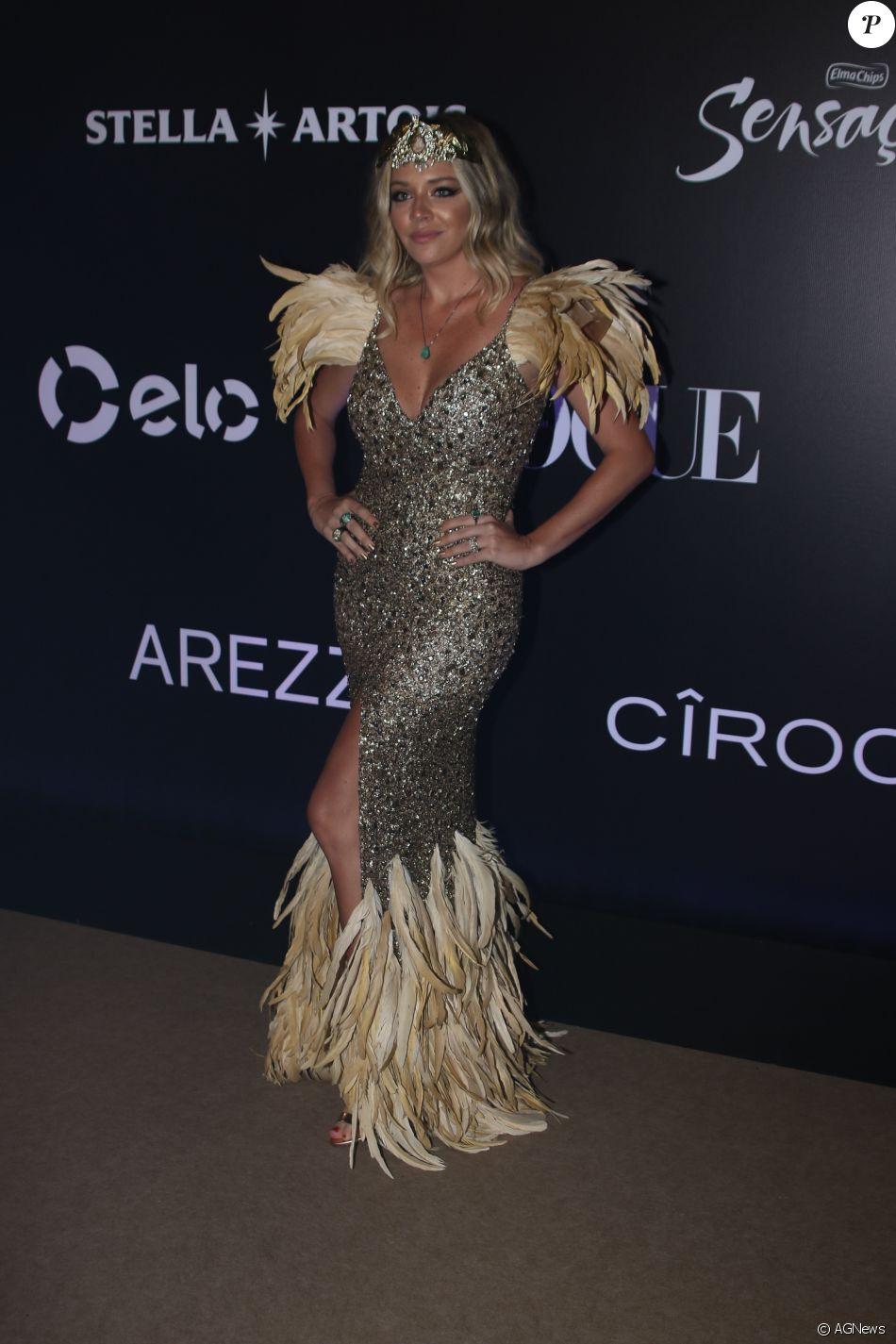Luma Costa de PatBO no Baile da Vogue, realizado no Hotel Unique, em São  Paulo, na noite desta quinta-feira, 1º de fevereiro de 2018 c5195f760a