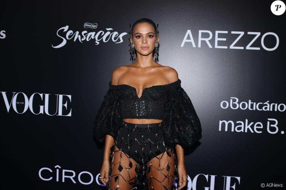 Bruna Marquezine no Baile da Vogue, realizado no Hotel Unique, em São  Paulo, na noite desta quinta-feira, 1º de fevereiro de 2018 6be0d4e896