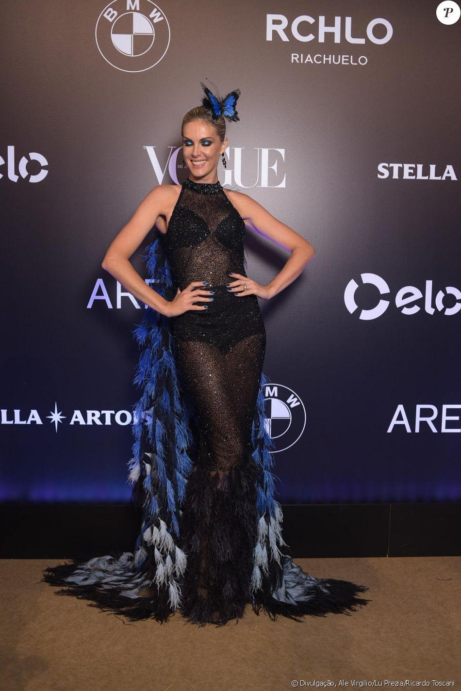 Ana Hickmann de Letícia Manzan no Baile da Vogue, realizado no Hotel  Unique, em São Paulo, na noite desta quinta-feira, 1º de fevereiro de 2018 8d2b7f335f