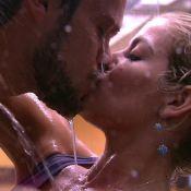 'BBB18': Breno beija Jaqueline no chuveiro e demonstra ciúme de Ana Clara