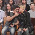 Xuxa beija o namorado, Junno Andrade, durante participação no 'Altas Horas' especial de Dia dos Namorados