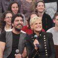 Xuxa antecipa presente de Dia dos Namorados e surpreende o namorado, Junno Andrade, com vídeo do casal