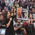 Ivete Sangalo recebe Disco de Platina por seu DVD Multishow de 20 anos de carreira