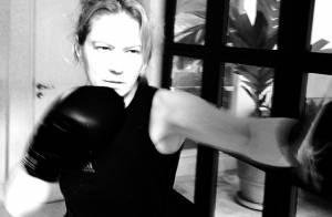 Patrícia Pillar luta boxe para manter a boa forma e ganha elogios