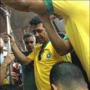 Marcos Palmeira pega metrô no Rio e reclama da Copa no Brasil: 'Desorganização'