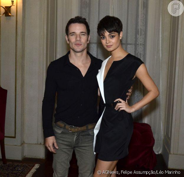 Sophie Charlotte brilha ao lado de Daniel de Oliveira em coletiva de 'O Rebu' 24 de junho de 2014