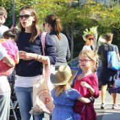 Jennifer Garner leva as filhas com Ben Affleck, Violet e Seraphina, para passeio