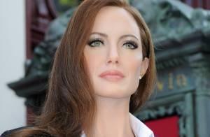 Angelina ganha estátua de cera em museu de Paris com look do Bafta 2014