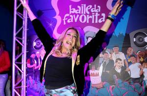 Após término, Susana Vieira curte festa com a presença do ex Sandro Pedroso
