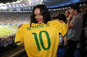 FIFA esclarece que Rihanna não segurou taça da Copa do Mundo: 'Réplica'