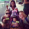 Leticia Spiller tirou férias com os filhos Pedro, de 17 anos, e Stella, de 3, após o fim de 'Joia Rara'
