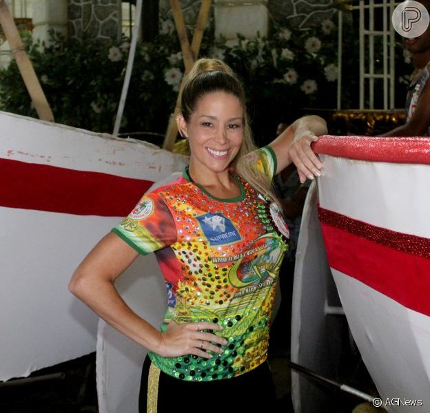 Danielle Winits usará fantasia com 30 mil cristais para o desfile da Grande Rio, no Carnaval 2013