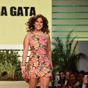 Camilla Camargo desfila no Mega Polo Moda, em São Paulo: 'Baixinha na passarela'