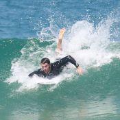 Kayky Brito mostra habilidade no mar em dia de surfe na Barra da Tijuca, no Rio