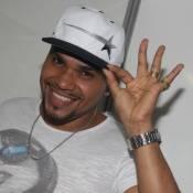 Ladrões levam R$ 200 mil em joias no assalto à casa de Naldo: 'Espero recuperar'