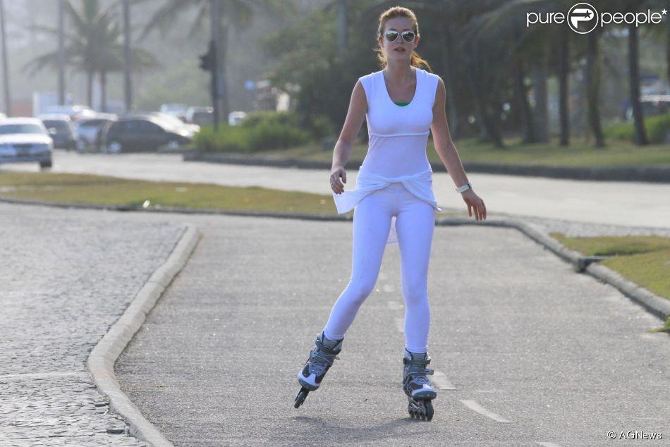 Marina Ruy Barbosa está mais mulher. A atriz, de 19 anos, está transformando o seu corpo com ginástica localizada e tratamentos estáticos