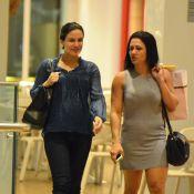 Kyra Gracie faz compras com a mãe e exibe barriga na reta final da gravidez
