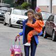 Grazi fez questão de buscar a filha com o ex-marido Cauã Reymond na escola