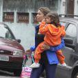 Grazi Massafera busca a filha Sophia na escola na Barra da Tijuca, na Zona Oeste do Rio de Janeiro, na quarta-feira, 27 de agosto de 2014