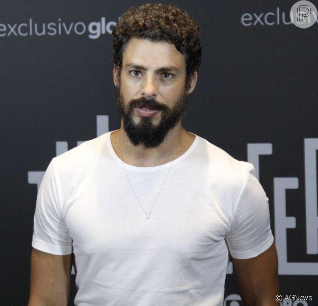 Cauã Reymond se reúne com elenco da série 'Ilha de Ferro', da TV Globo, para uma coletiva no Teatro Riachuelo, no Centro do Rio de Janeiro, na noite desta terça-feira, 13 de novembro de 2018