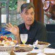 Paulo Betti incorporou o blogueiro Téo durante o café da manhã com Ana Maria Braga no 'Mais Você'