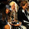 Rihanna assistiu ao desfile do estilista Alexander Wang na Semana de Moda de Nova York na primeira fila