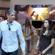 William Bonner vai com as filhas Laura e Beatriz ao shopping no Rio de Janeiro. Jornalista estava sem a mulher, Fátima Bernardes