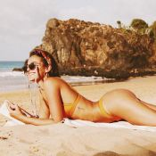 De biquíni, Marquezine exalta autoaceitação: 'Vejo tudo que não tenho e é lindo'