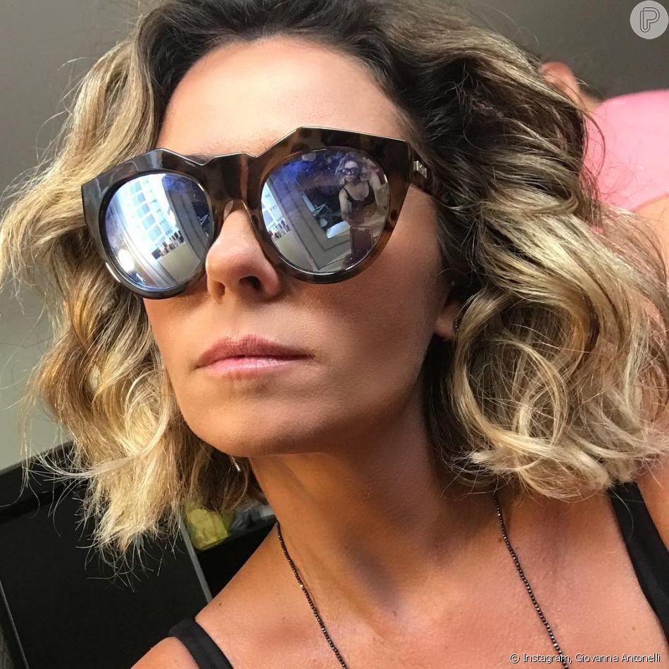 O óculos de sol estilo tartaruga também é uma das apostas de Giovanna  Antonelli 0114b25380