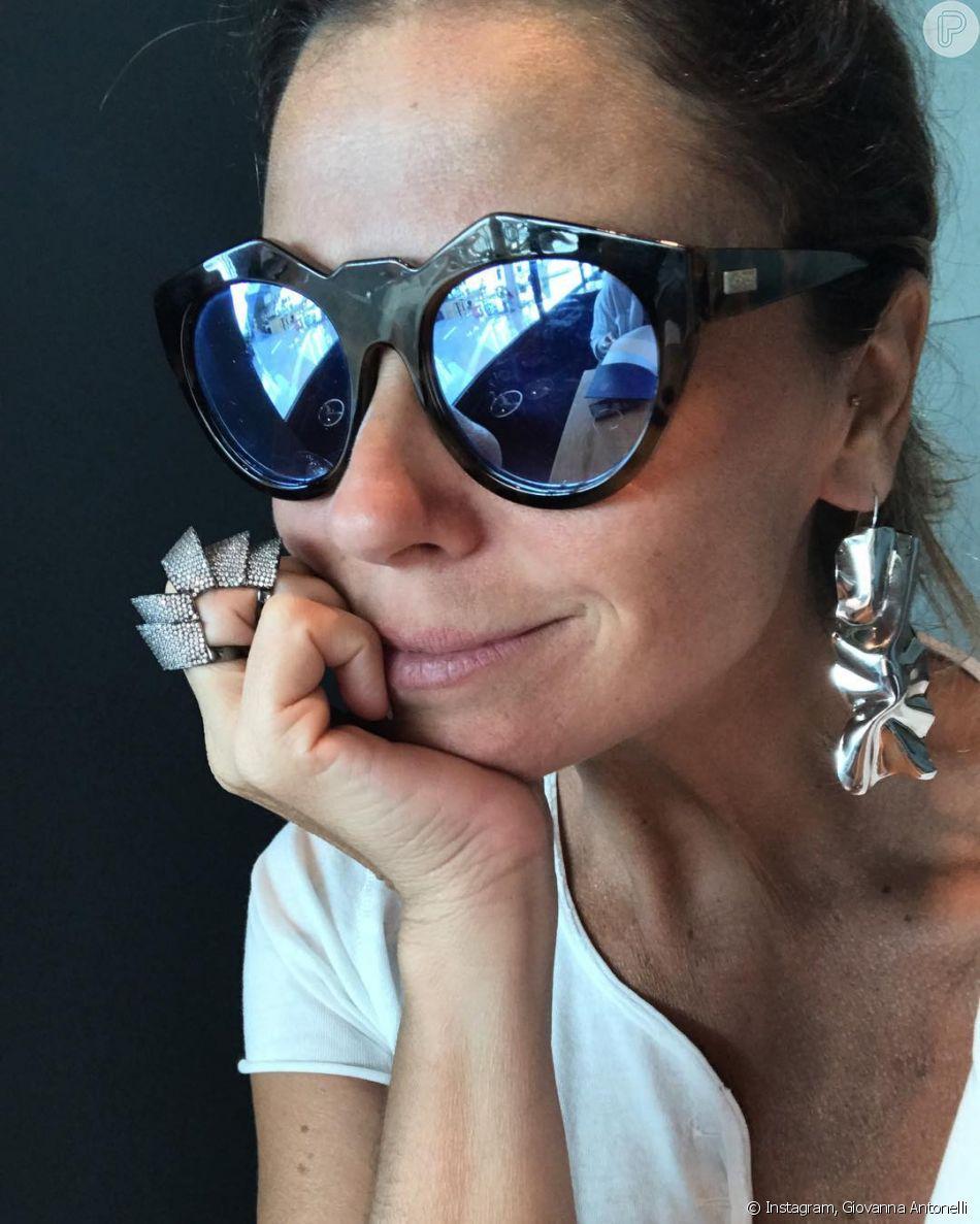 Giovanna Antonelli é trendsetter quando o assunto é acessório ... 0b8fe34460