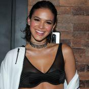 Bruna Marquezine aposta em hot pants e look transparente em festa de empresário