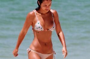 Yanna Lavigne se diverte em dia na praia com amigos e saboreia milho. Fotos!