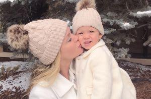 Eliana e a filha, Manuela, combinam look de frio em passeio nos EUA. Foto!