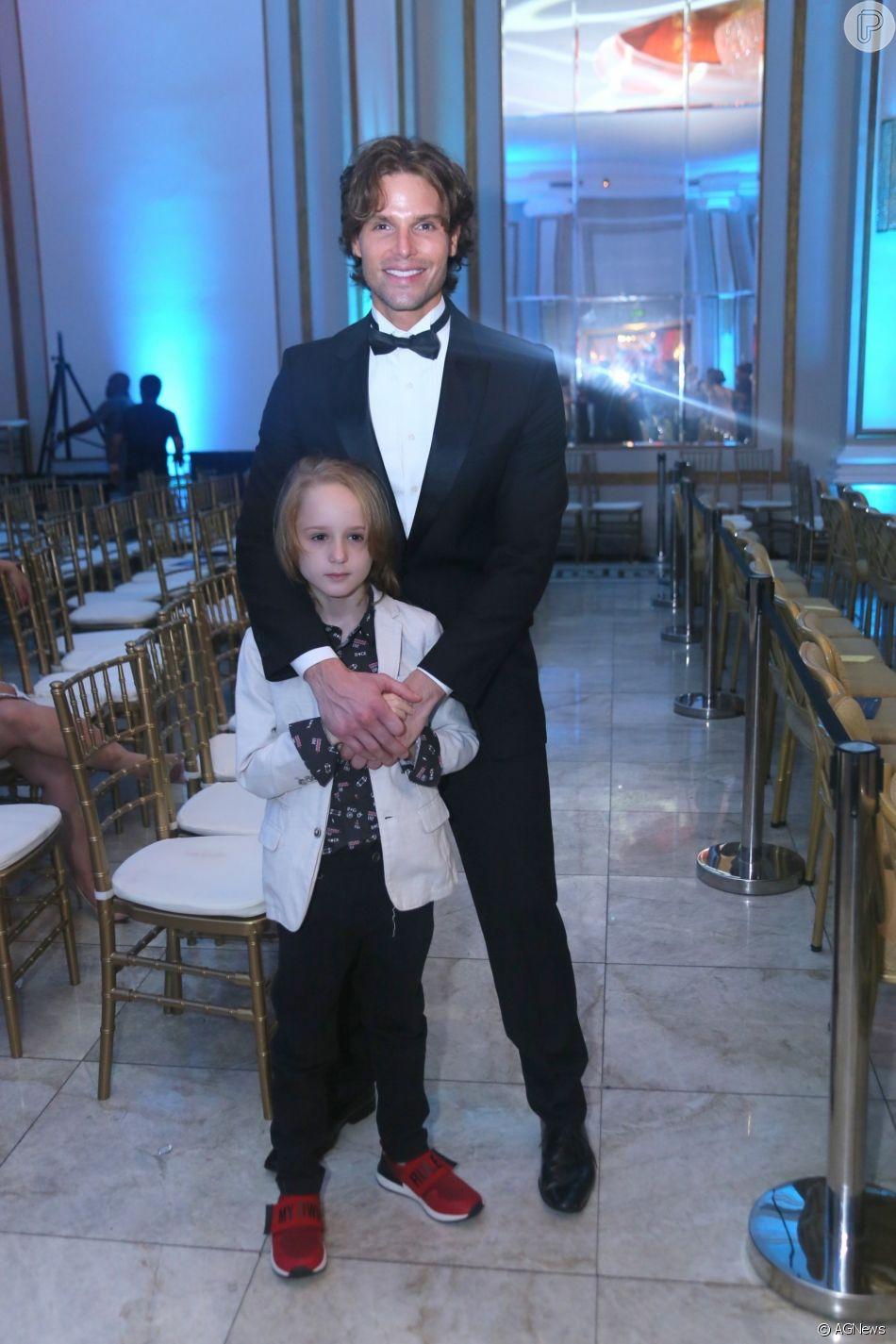 Jonatas Faro leva o filho, Guy, de sete anos, ao prêmio  Cesgranrio de Teatro, no Belmond Copacabana Palace, no Rio de Janeiro, nesta segunda-feira, 21 de janeiro de 2019
