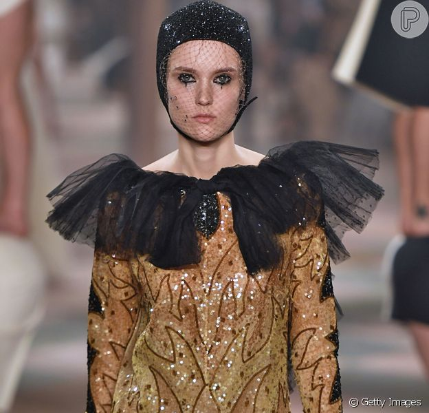 Christian Dior Haute Couture Spring Summer 2019 na Paris Fashion Week: tule e brilho metalizado
