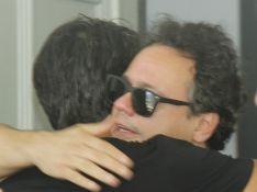 Danton Mello se emociona em velório de Caio Junqueira: 'Perda trágica'. Vídeo!