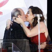 Marisa Orth dá selinho em Ney Matogrosso no 3º Prêmio Contigo! de Música