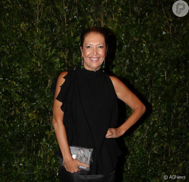 Donata Meirelles, diretora de estilo da Vogue, foi criticada na web por festa